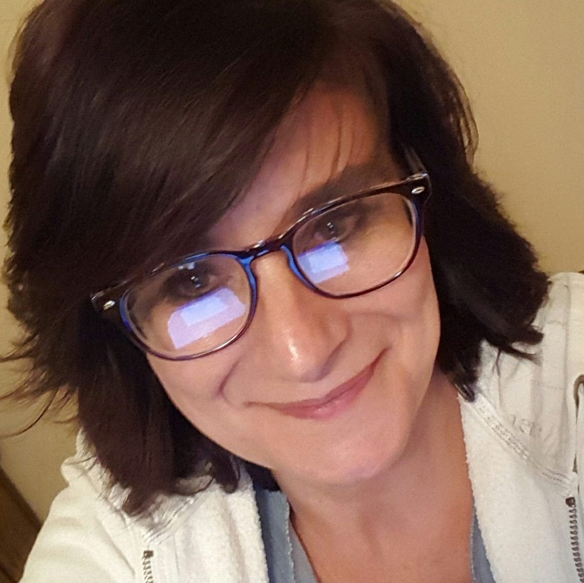 renee bryan with glasses
